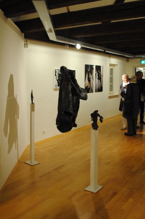 Kunst-Künstler-Bildhauer-Peter-Rappl-Jahresausstellung-Traunstein-2014-Eröffnung-03