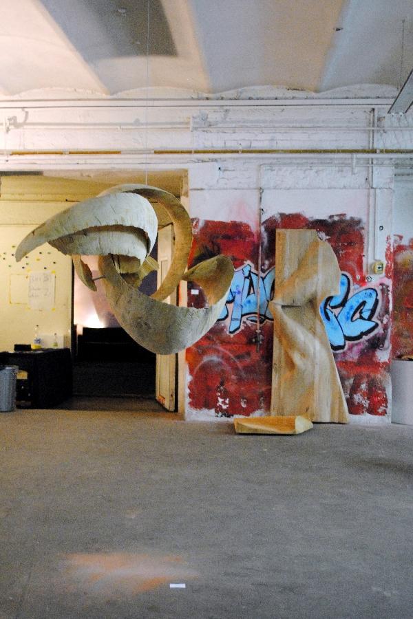 Kunst-Künstler-Bildhauer-Peter-Rappl-Movement-Konstrukt-II-Lackiererei